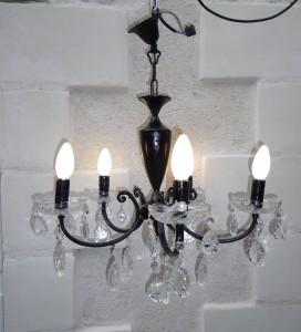 Ancien lustre pampilles revisit en lustre baroque noir anjoudeco - Lustre a pampilles ancien vendre ...