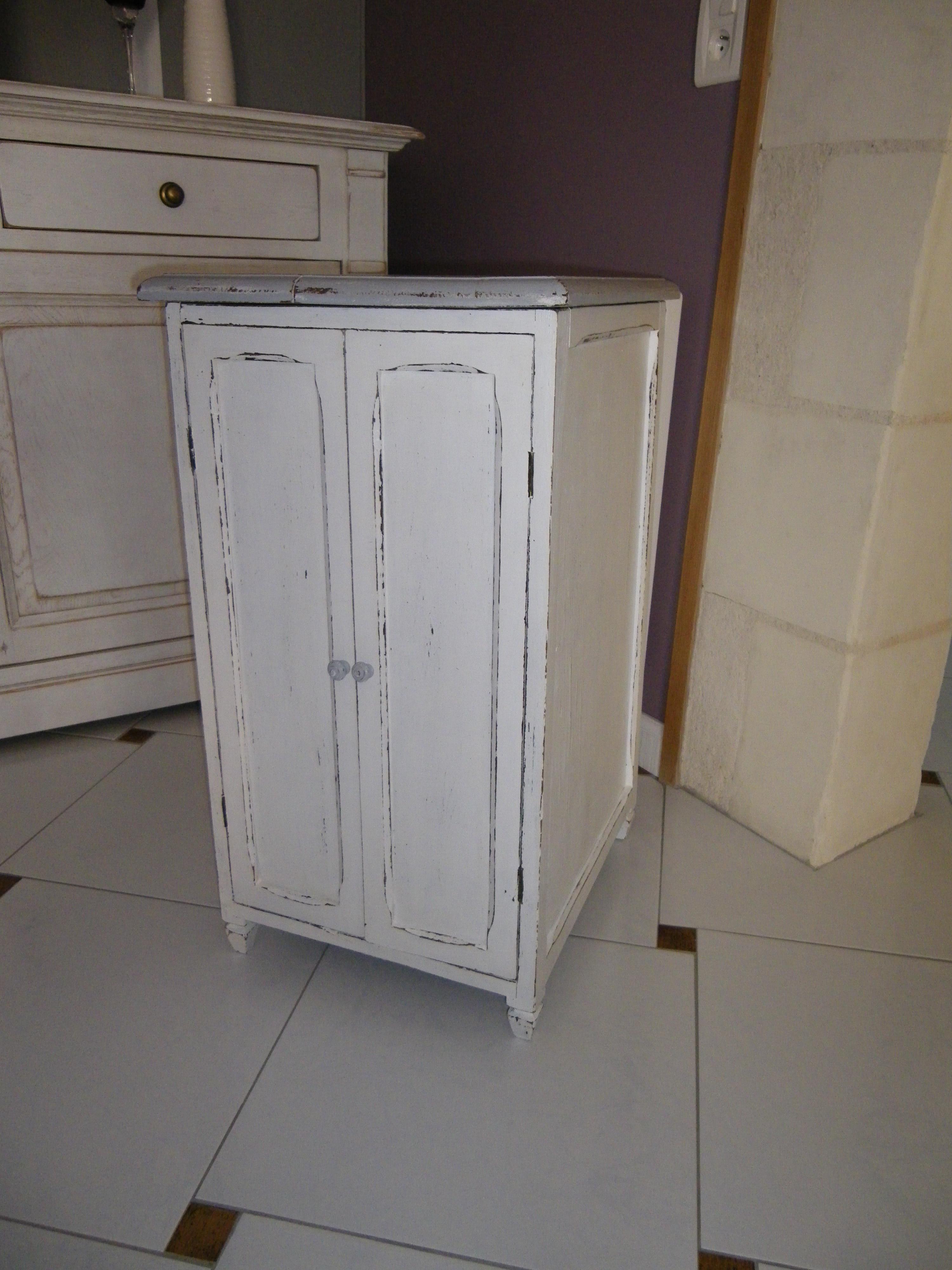 ancien meuble pour disques vinyles patin blanc et gris anjoudeco. Black Bedroom Furniture Sets. Home Design Ideas