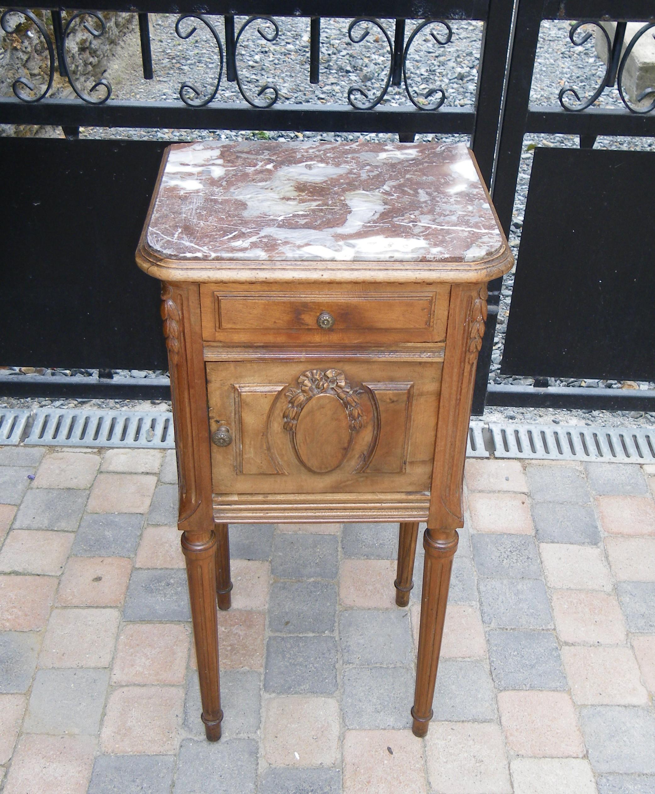 Chevet ancien avec noeud patin lin et flanelle plateau effet craquel avant apr s anjoudeco - Table de chevet marbre ...