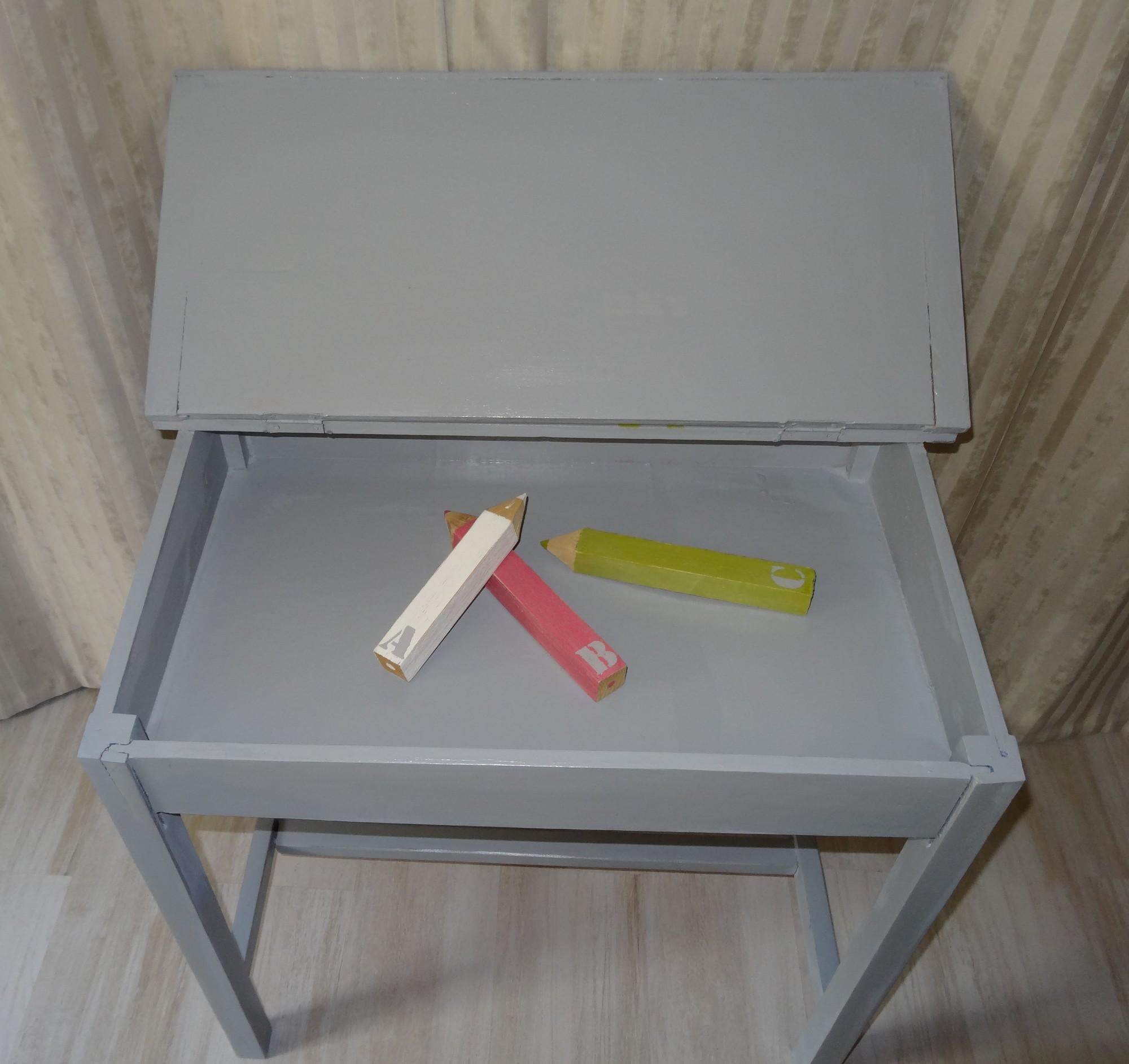 Ancien pupitre d colier relook pouvant servir de bureau - Bureau ecolier relooke ...