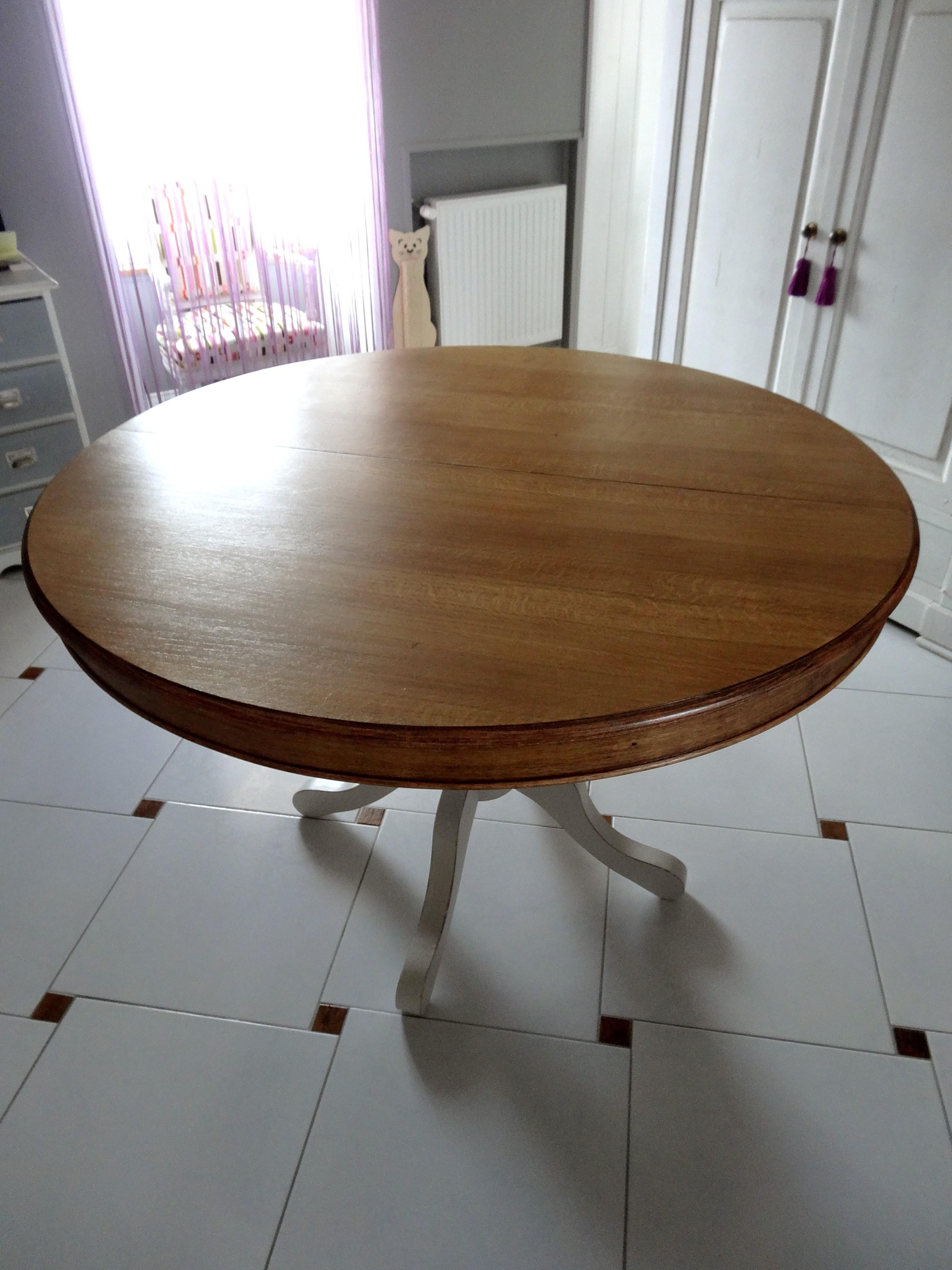 Table ronde pi tement lin clair effet us et plateau for Pietement table ronde