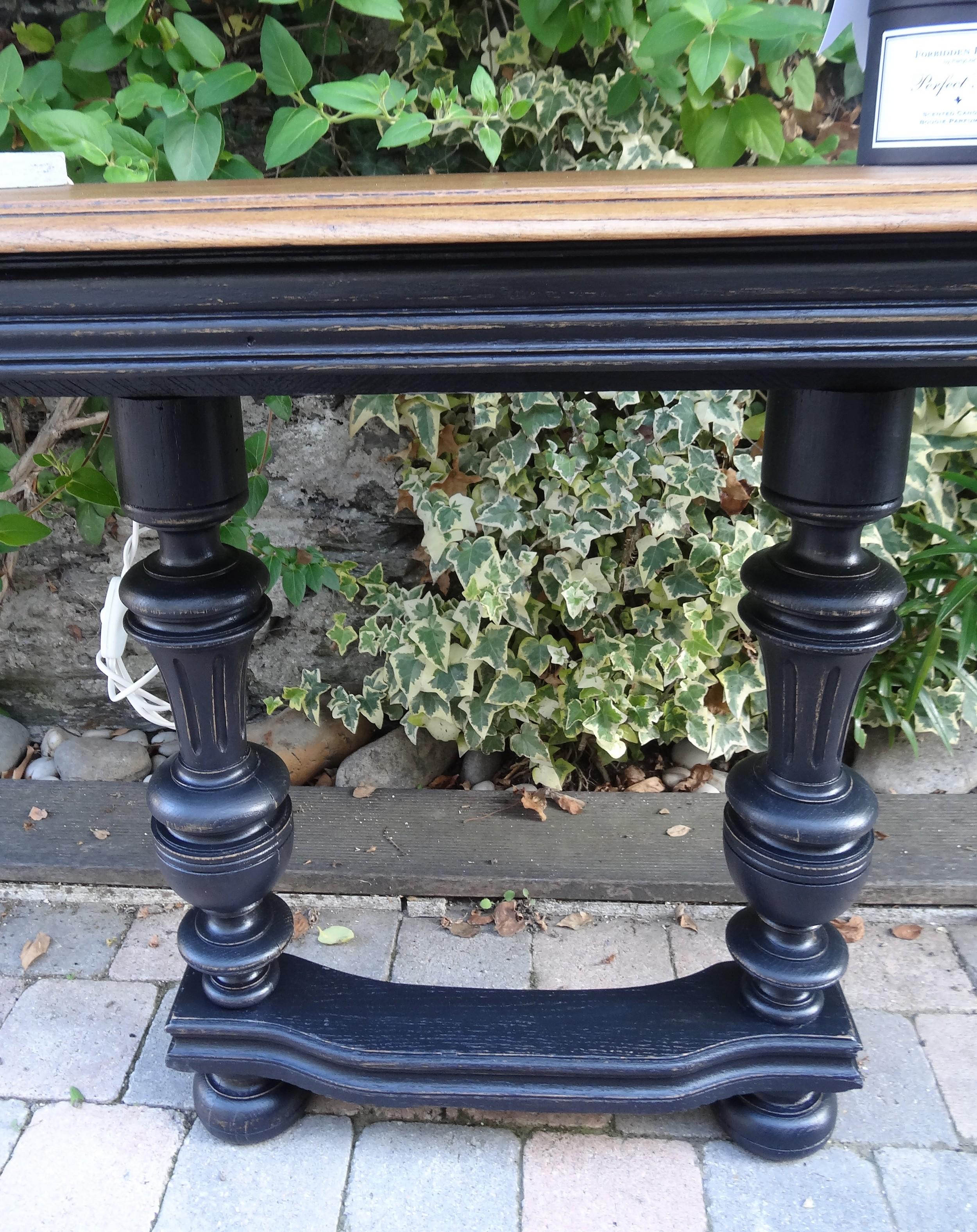 Console henri ii chic en noir et plateau finition cir e for Relooker table bois